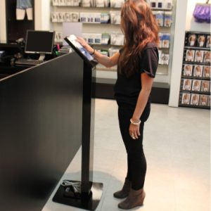 ipillar locking ipad freestanding kiosk display